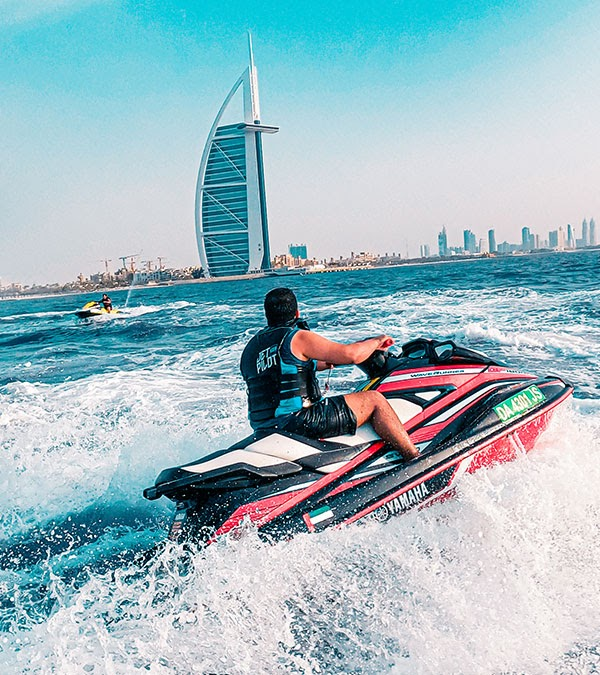 Safety Tips To Take Note Of Before Jetskiing Into The Sunset