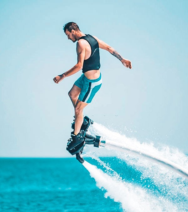 Discover Dubai's Beautiful Skyscrapers While Making The Most Out Of Flyboarding